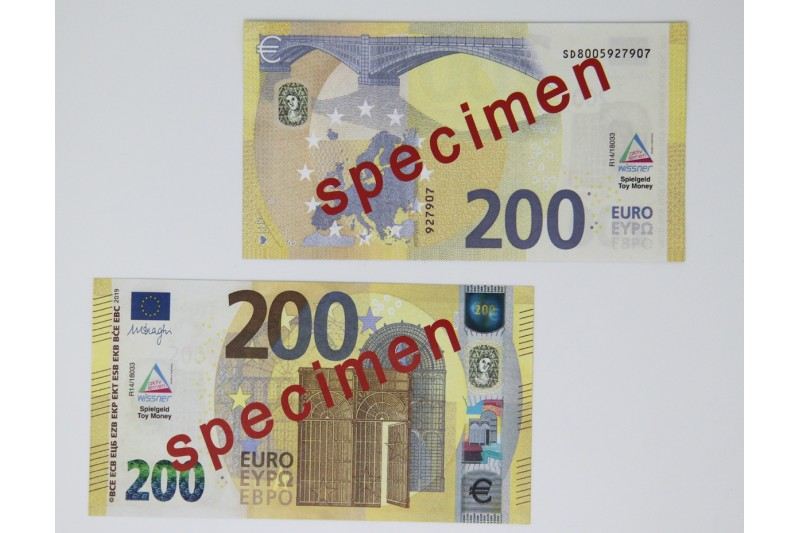 200 Euro - notes. 100 pcs