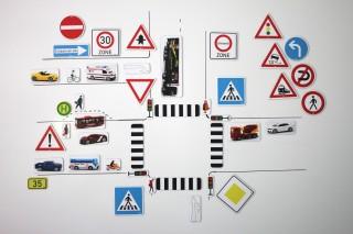 Traffic signs. additional set. magnetic (124 pcs)