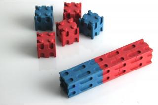 Interlocking cubes. red/blue (30 pcs)